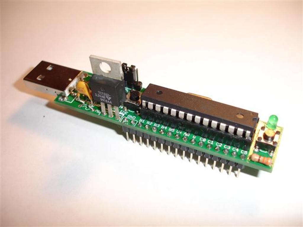 Project Solderpad Atmel Avr Usb Programmer Using Atmega8 Description The Usnoobie Is A Microcontroller Kit That Does Not Require Any Sort Of Or To Serial